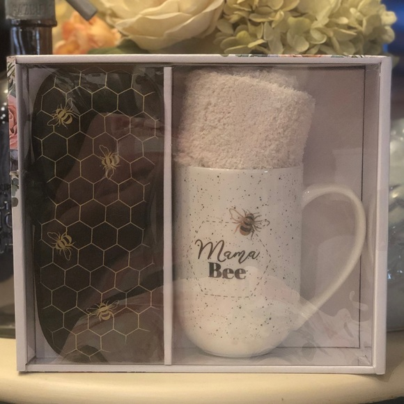 Mama Bee Boxed Gift Set